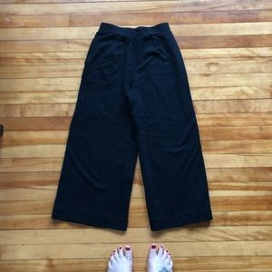 Uniqlo Pants - Uniqlo black cropped wide leg trousers